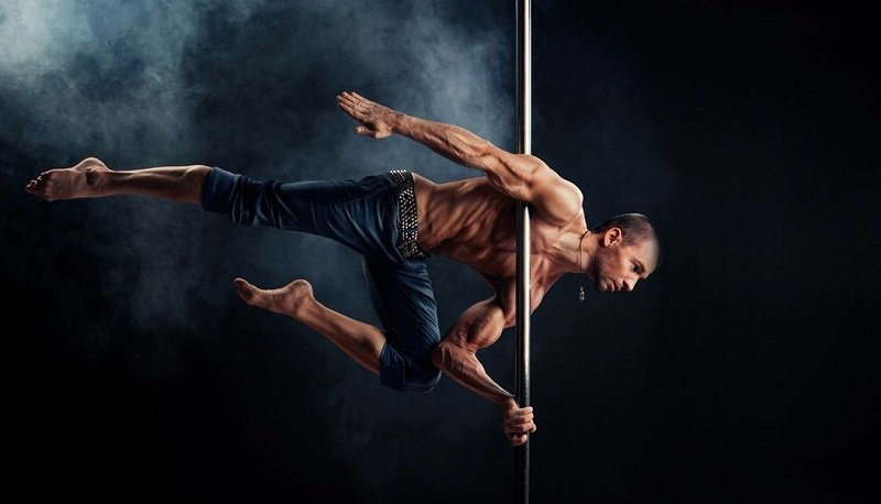 men-pole-dance